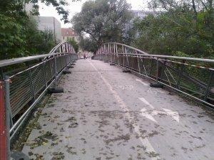 trec pe langa podul augarten